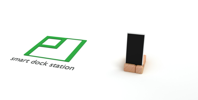 Pi smart dock station - closed and smartphone